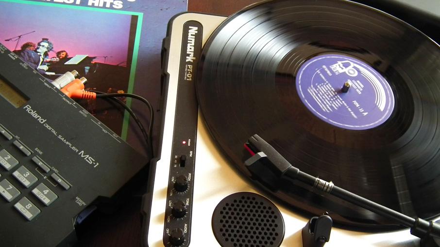 PT-01でレコードサンプリング中