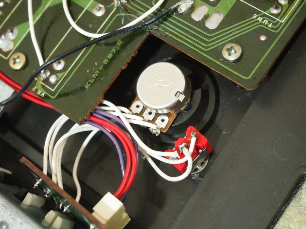 KORG POLY-800改造 part2|電源スイッチとボリューム内側