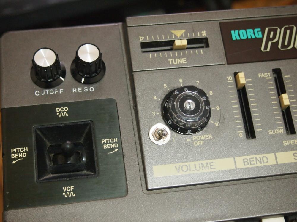 KORG POLY-800改造 part2|電源スイッチとボリューム