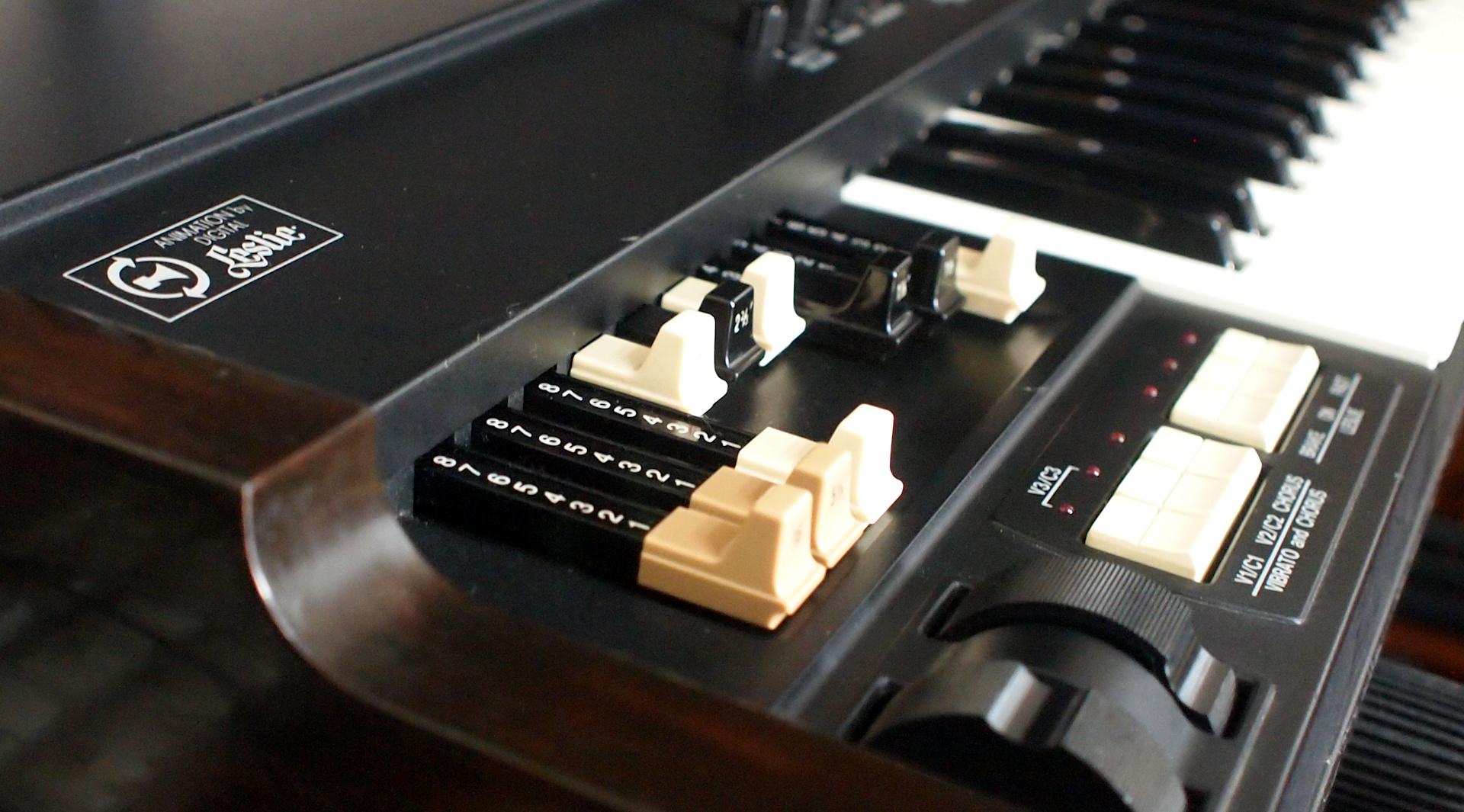 Hammond XB-1 888000235