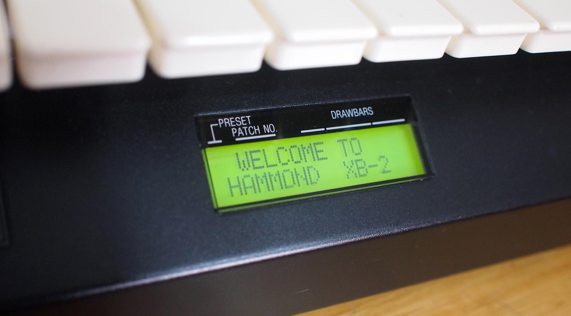 Hammond XB-2 起動するんだけど